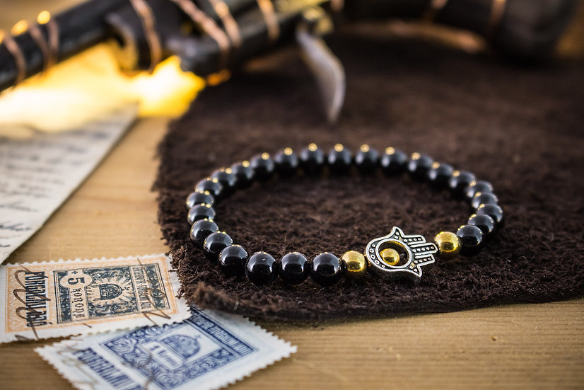 Polished onyx beaded stretchy bracelet with silver Hamsa hand