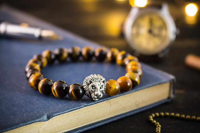 Tiger eye beaded stretchy bracelet with silver lion
