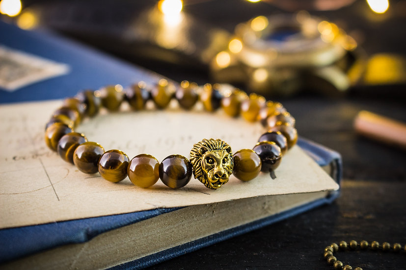 Tiger eye beaded stretchy bracelet with gold lion for men