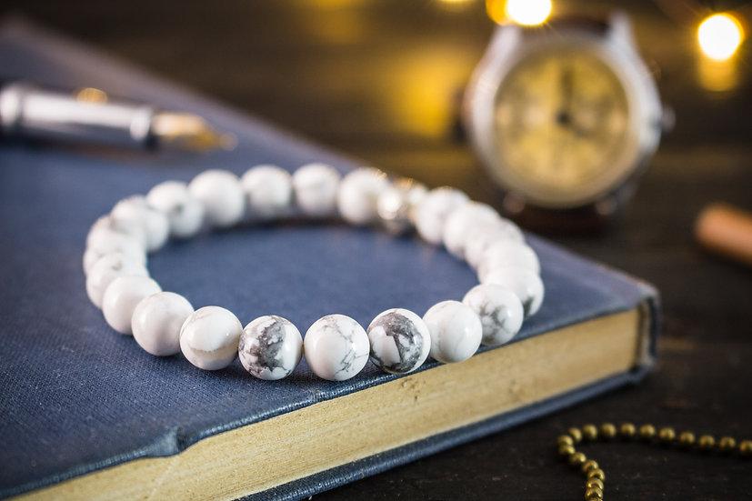 White howlite beaded stretchy bracelet
