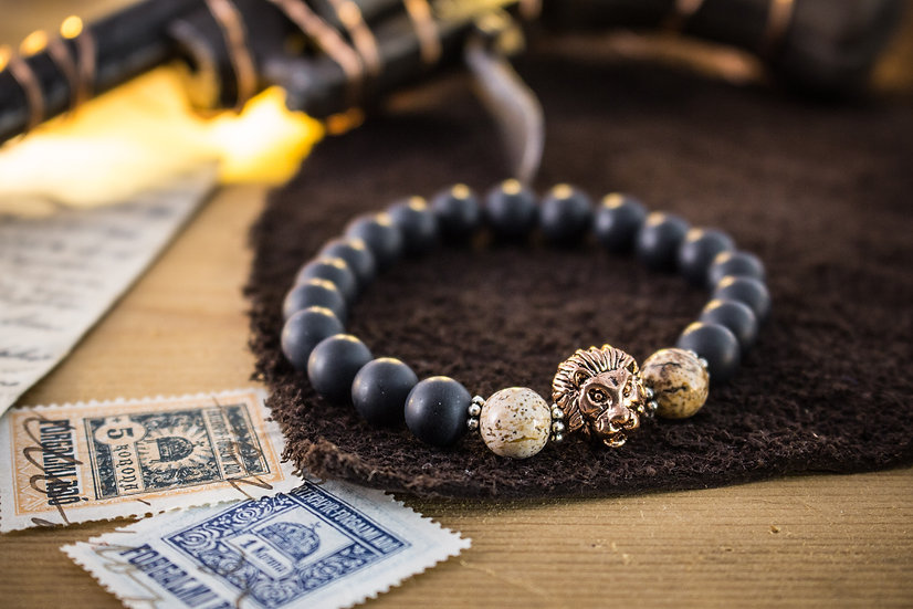 Black onyx & jasper beaded stretchy bracelet with rose gold Lion