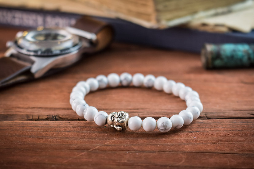 White howlite beaded stretchy bracelet with Buddha