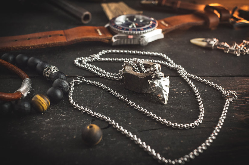 Stainless steel men's necklace with a arrow head pendant