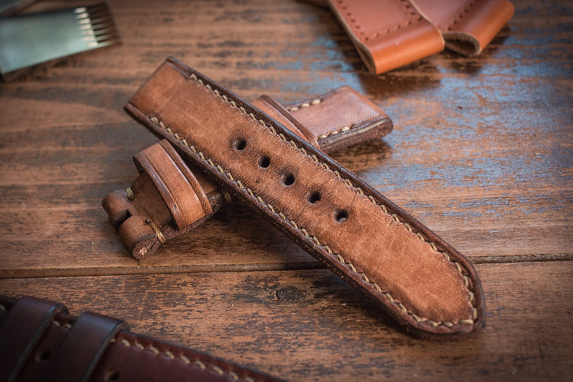 Antiqued handmade 22mm antiqued light brown leather strap 125/86mm, for Panerai