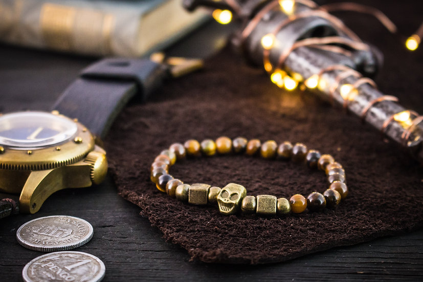 Tiger eye beaded stretchy bracelet with bronze skull & accents