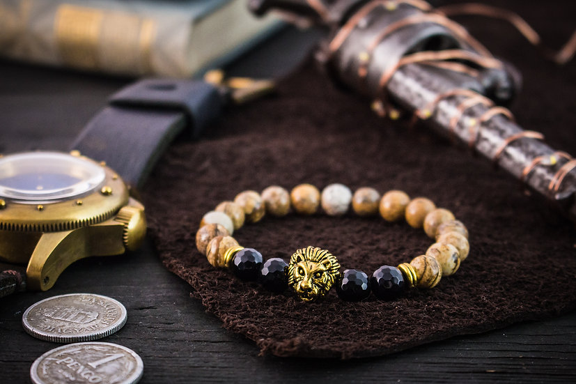 Jasper & faceted onyx beaded stretchy bracelet with gold lion
