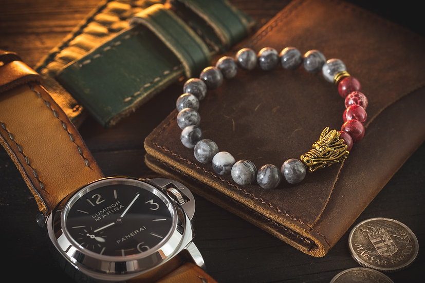 Light gray picasso stone & red regalite beaded stretchy bracelet with gold dragon
