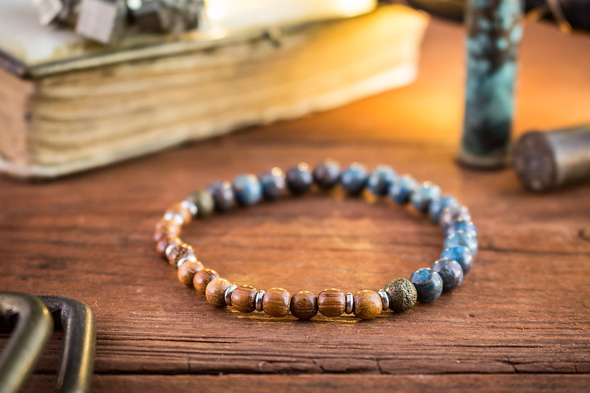 Blue crazy lace agate & sandalwood beaded stretchy bracelet