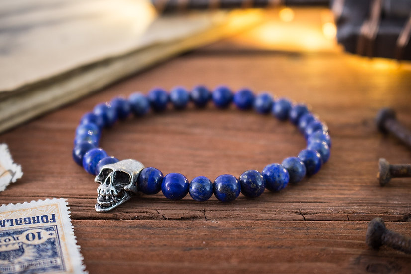 Lapis lazuli beaded stretchy bracelet with silver skull