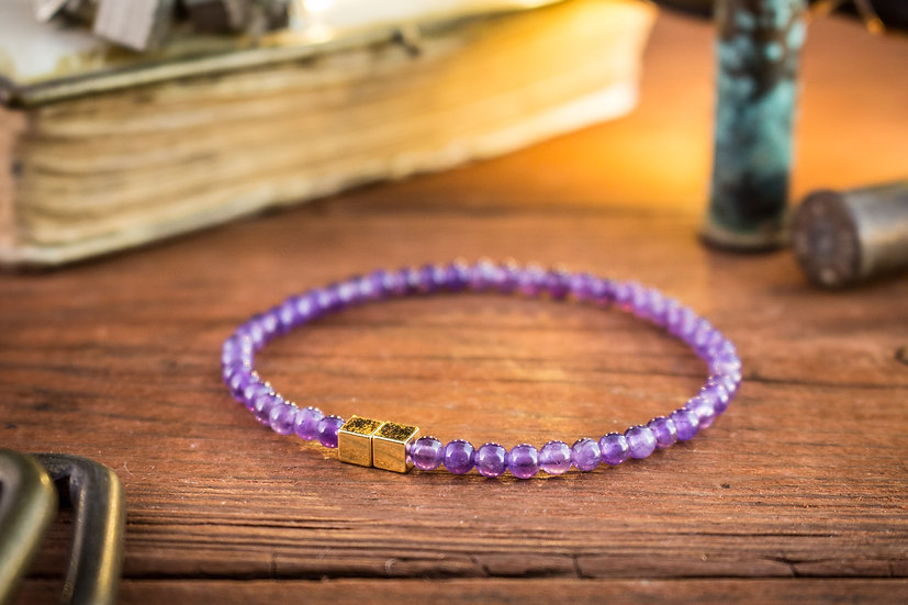 Amethyst beaded stretchy bracelet with gold cubes