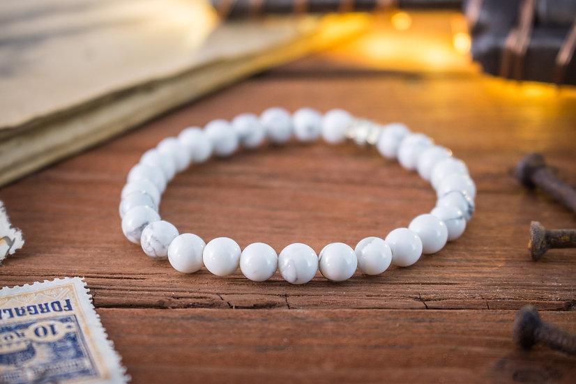 Howlite beaded stretchy bracelet