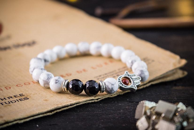 White howlite & onyx beaded stretchy bracelet with Hamsa hand