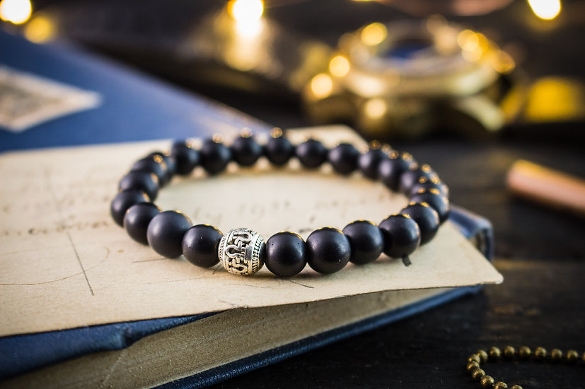 Matte black onyx beaded men's bracelet