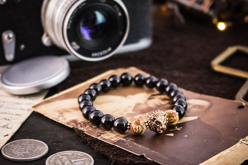 Black onyx & jasper beaded stretchy bracelet with rose gold lion