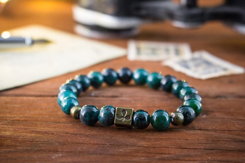 Greenish chrysocolla beaded stretchy bracelet with poker pattern bead