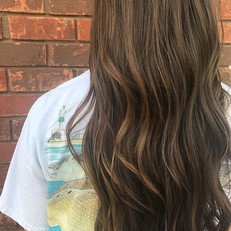 Added some dimension to _leah_rose_bourgeois hair !!! Just in time for wedding next week ! She wanted to keep it super natural but just enou