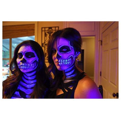 Because when I found out they were having black lights at their party I had to find uv paints 😁 _#glowinthedark #uv #halloween2015 #clientse