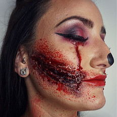 🤡 🎪🤹🏻♀️crazy clowns 🤹🏻♀️🎪🤡 _gab_macerola 🔪 👉🏼👉🏼 swipe to see front shots !!!! and also i Halloween makeup post are not down yet for me lol