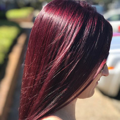Dyyiiinnnnngggggggggg for this color !!! 🤤🤤🤤 _schwarzkopfpro with such a true rich tone 💁🏻♀️😍😍!!! _malfnktion7 👉🏼👉🏼 before 😱 ( we do her ro
