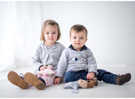 Photographe famille Nantes - Séance photo fratrie - Home studio