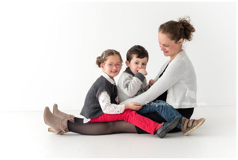 Brigitte Delibes Photographie - Photographe grossesse Nantes - séance grossesse famille - Home studio - Nantes