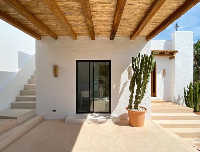 complete reform, pergola & terraces  - villa in Cala Salada