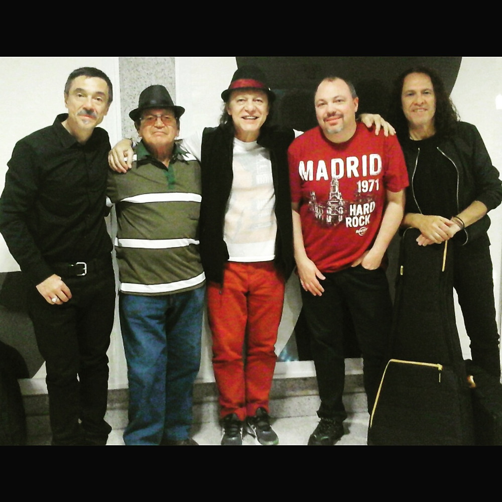 Charles Gavin, Mestre Solano, Armandinho, Ceasr Gavin e Paulo Rafael