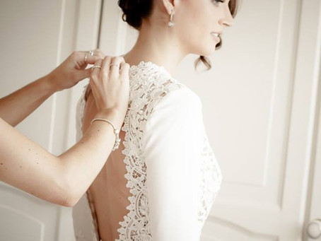 A Relaxed & Intimate England Wedding With A Glam Bride In a Margo Stankova London Bespoke Dress