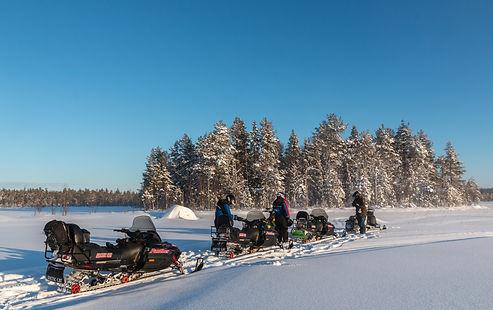 mensen-sneeuwscooter-vasterbotten-2.jpg