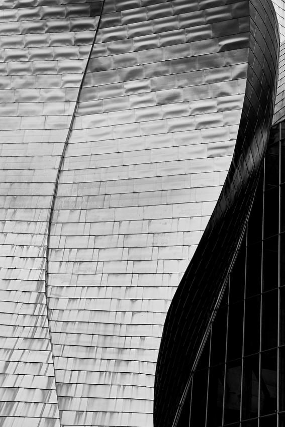 Fachada-Museo-de-Guggenheim-Bilbao