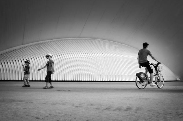 Bicicleta-Ciudad-de-las-artes-y-las-ciencias-Valencia-carlosvelez.jpeg