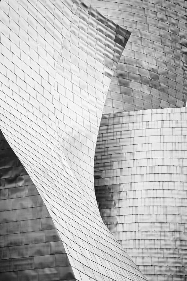 Volumenes-blanco-y-negro-Museo-Guggenheim-Bilbao