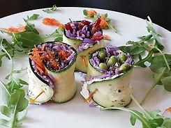 Paarse vegetarische sushi