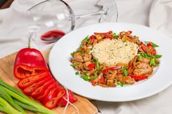 Кавърма от свинско бон филе със зеленчуци и билков ориз