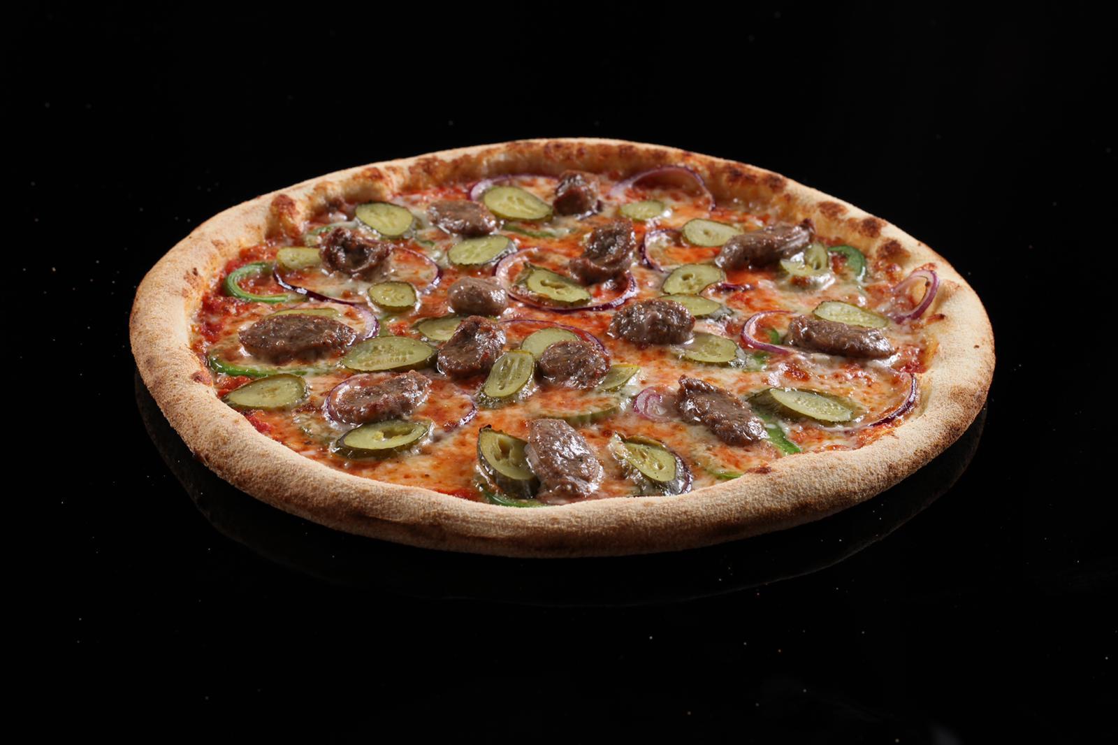 Пица Салсиче с италианска наденица
