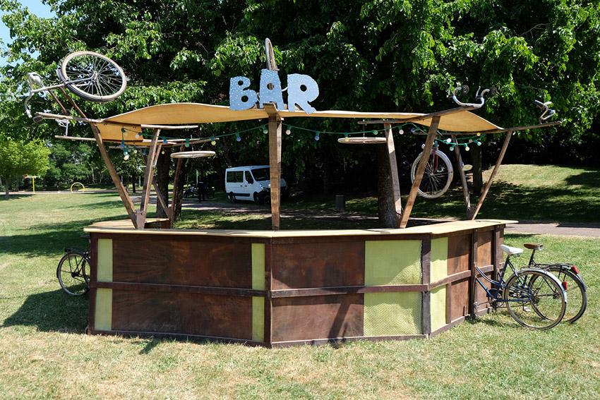 cie-monstrueuses-Bar_a_Vélos2