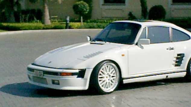 930 turbo Le Flatnose  May 2004 002.jpg