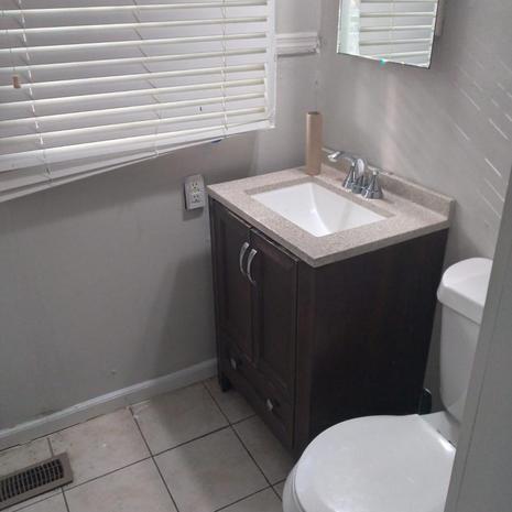 Venos place Atlanta 30318 $135 weekly $540 Monthly