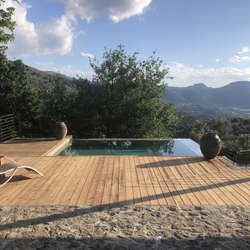 Piscine chauffée pour profiter toute l'année de la Corse