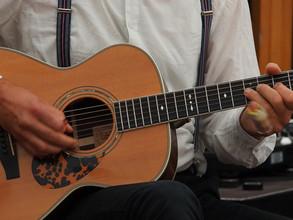 nice guitar2 ;-)