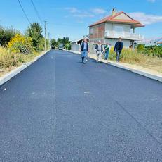 Përfundon asfaltimi i lagjes se Plovishtarve Vashmi .
