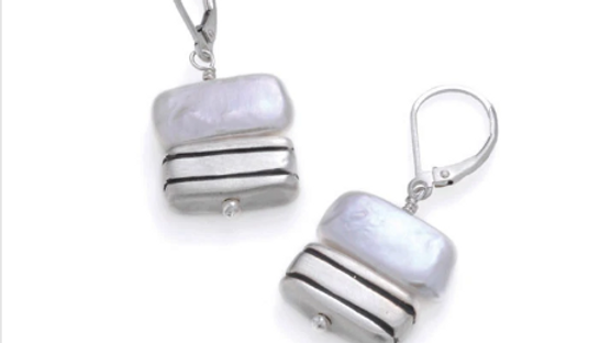 SS Striped Square w/Pearl Earrings