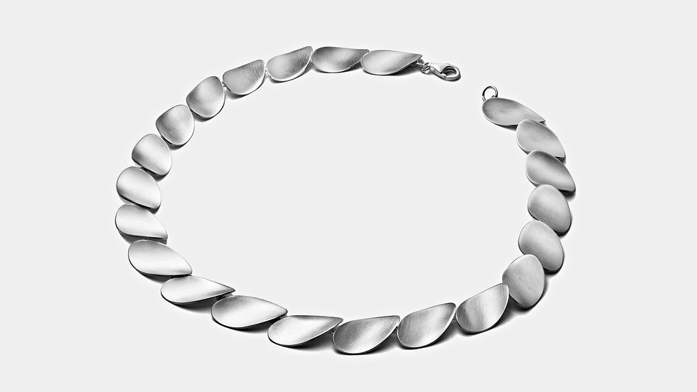 SS Stepping Stone Concave Necklace 18 inch.