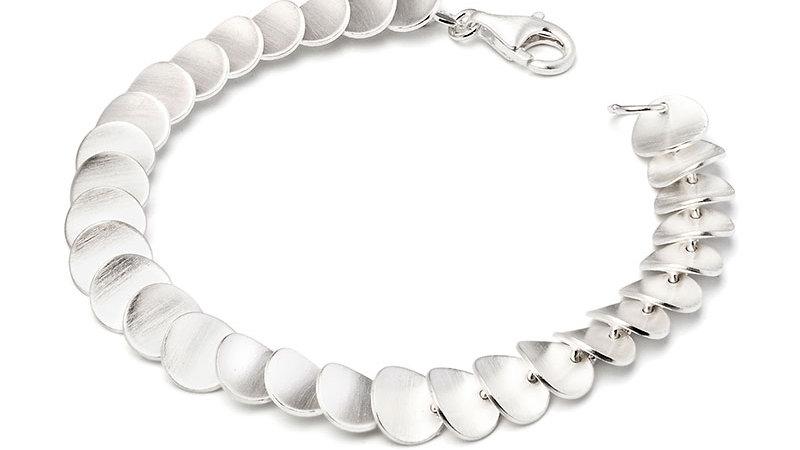 SS Zinnia Petals Bracelet 7 1/2 inch.
