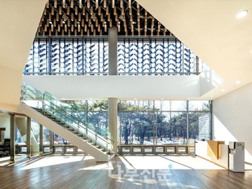 [나무신문] 목재의 통념을 깬 창의적 건축물