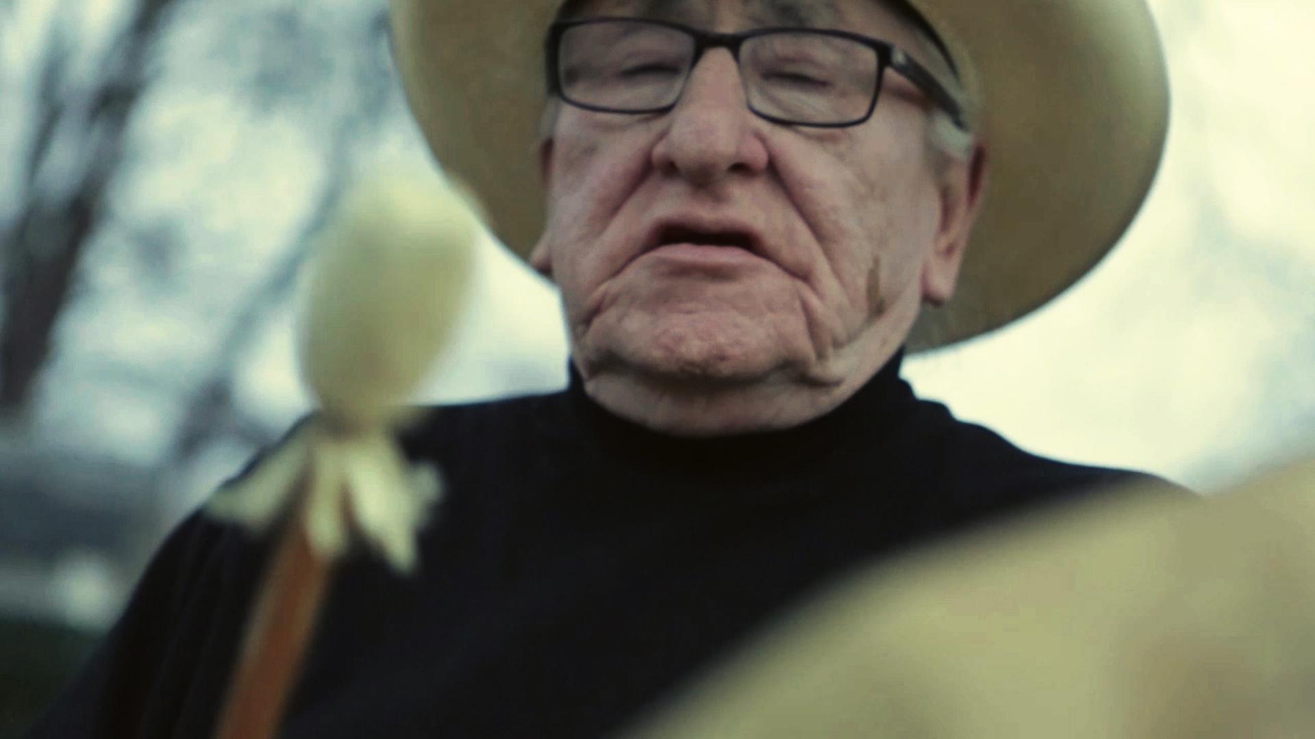 Jerry Dearly (Oglala Lakota) sings t