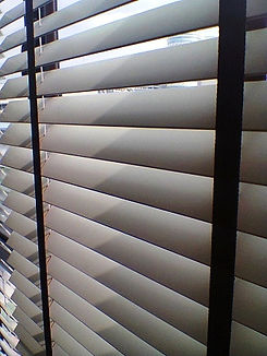 For your information, you must not expect the get those cheap timber wooden blinds from a good deal because they made from low-quality types of wood and tended to bend, warp or rot eventually due to the humid environment like Singapore.