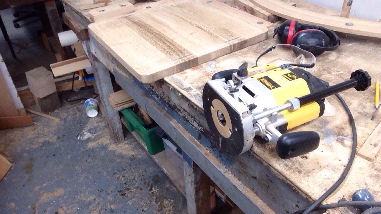 Routing oak chopping board