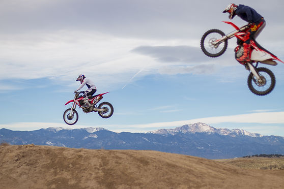 Honda KTM dirt bike motocross mx jump air pikes peak colorado springs ram off-road park shaun's shots