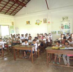 Children studying @ the AKfC school, Kok Chor, Cambodia
